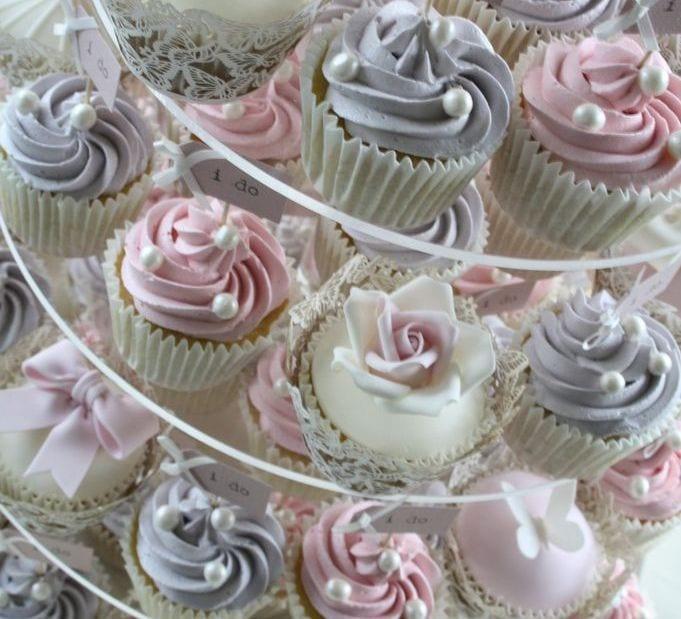 Muffin-torta-menyasszonyi